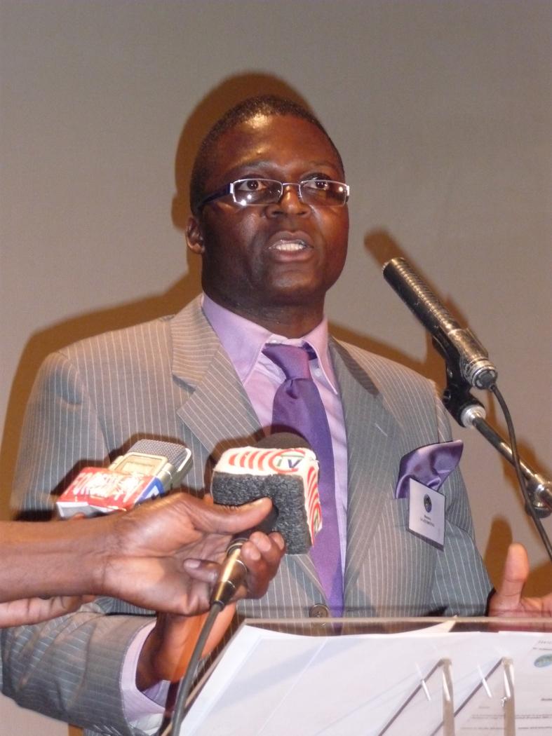 M. Ernest Biangue président et créateur de l'association La Locomotive